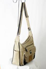 Дамска чанта в бежов цвят 9152787