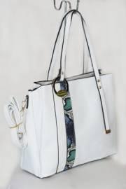 Дамска чанта в бял цвят 9154010
