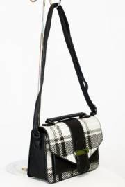 Дамска чанта в черно и бяло 9154247